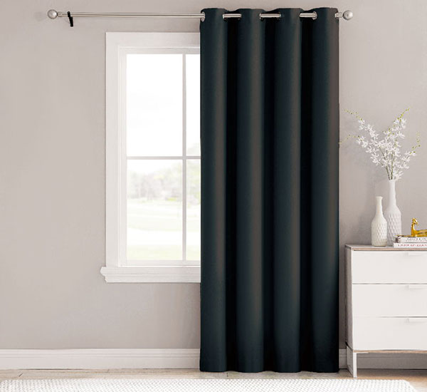 Essentials Solid Window Treatment Black Blackout vores gardin